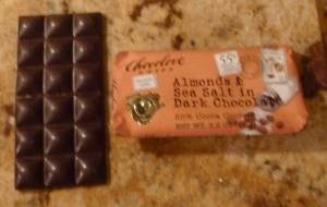 Chcolove Almonds - Contents
