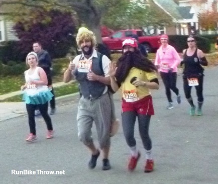 Wicked Halloween Run - Bearded Couple