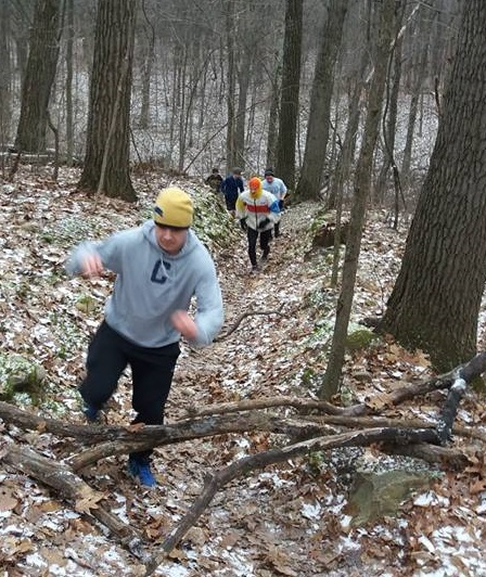 winter-switchbacks-2017-runners-charging-uphill-cropped